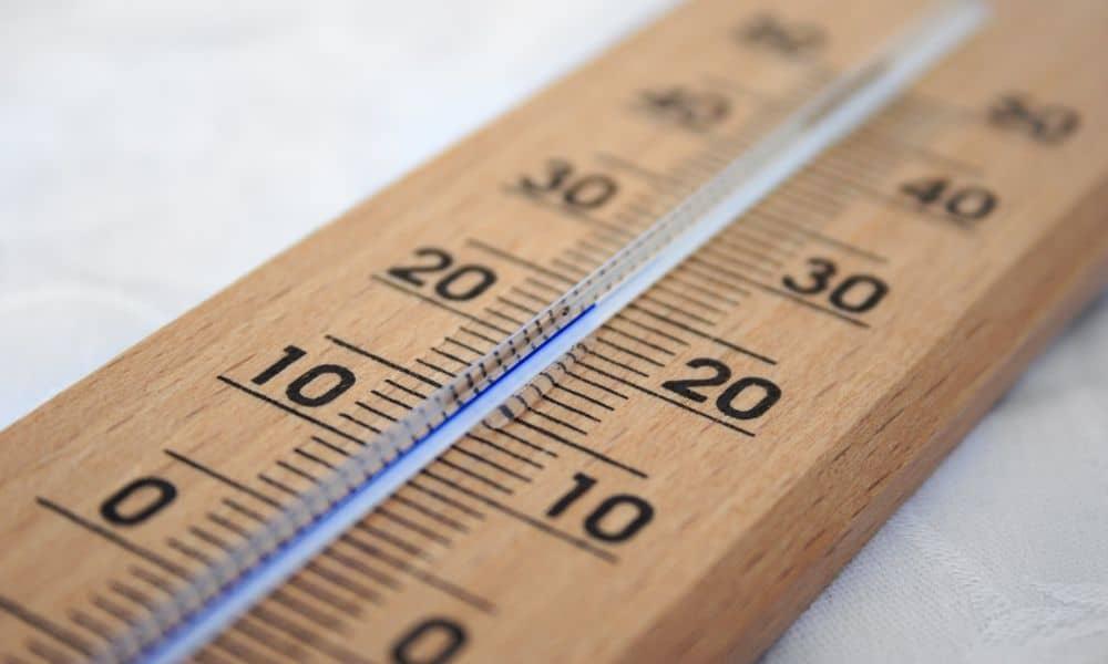 טמפרטורה